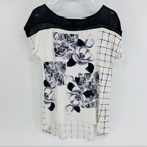 White House Black Market Black & White Tee W/Roses